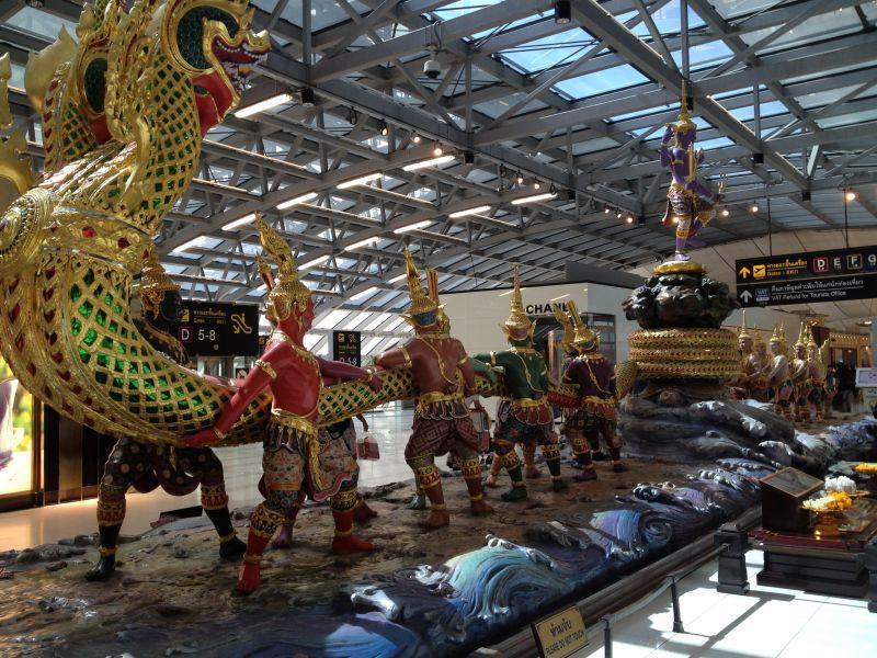 タイ 空港のオブジェ
