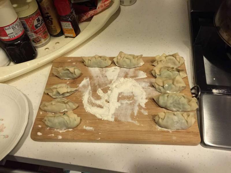 手作り餃子 包み