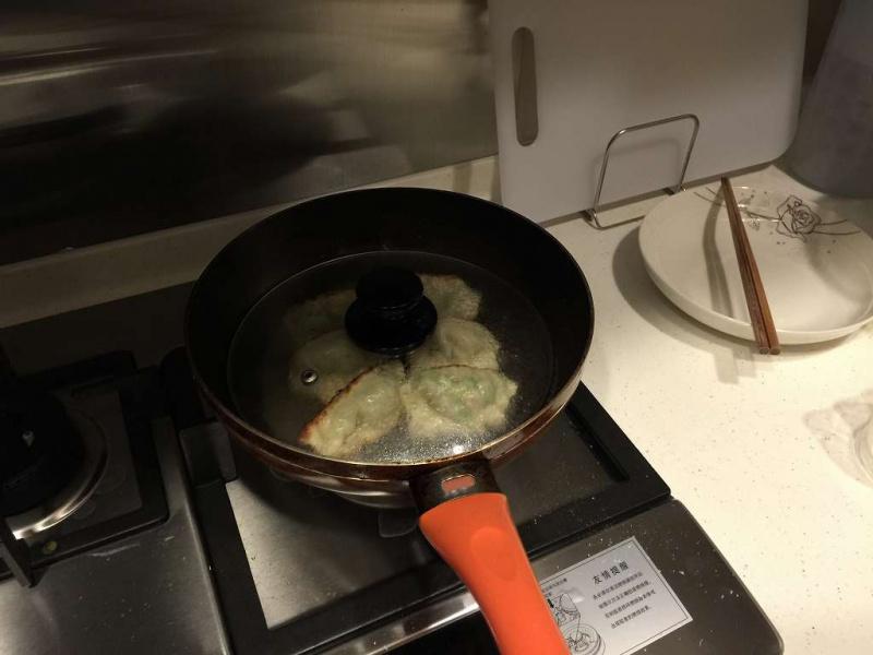 手作り餃子 焼き