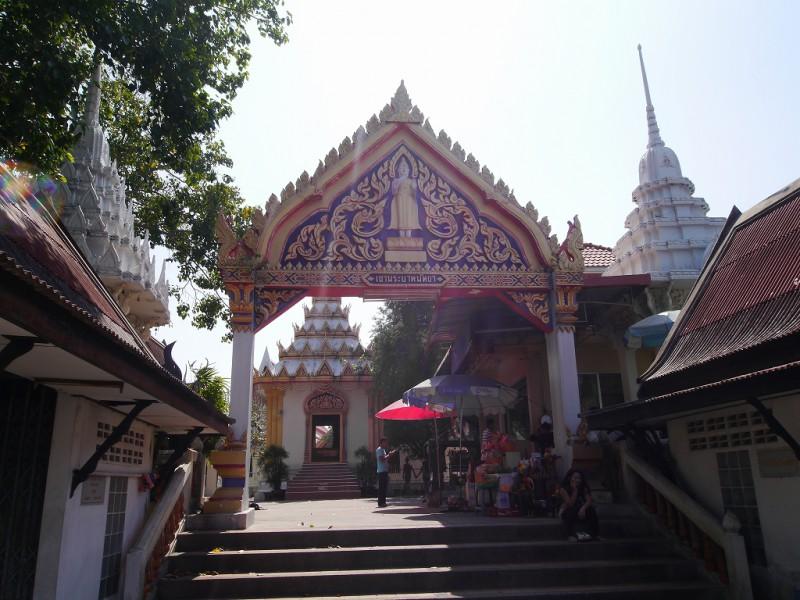 パタヤ丘の上の寺院
