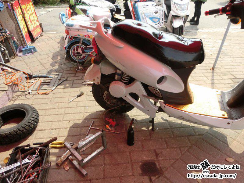 電動バイクのタイヤ交換